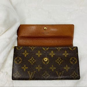 Louis Vuitton Bags - Authentic Louis Vuitton Sarah  Wallet